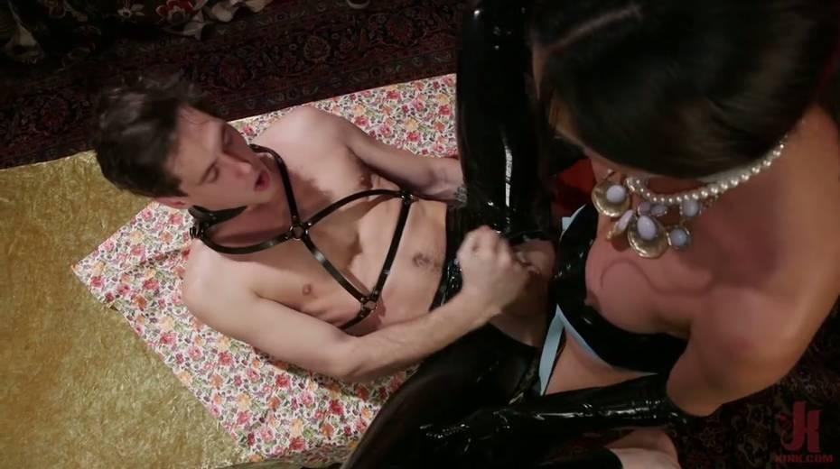 Tranny in latex corset Jessica Fox fucks face and anus of one submissive dude - 14. pic