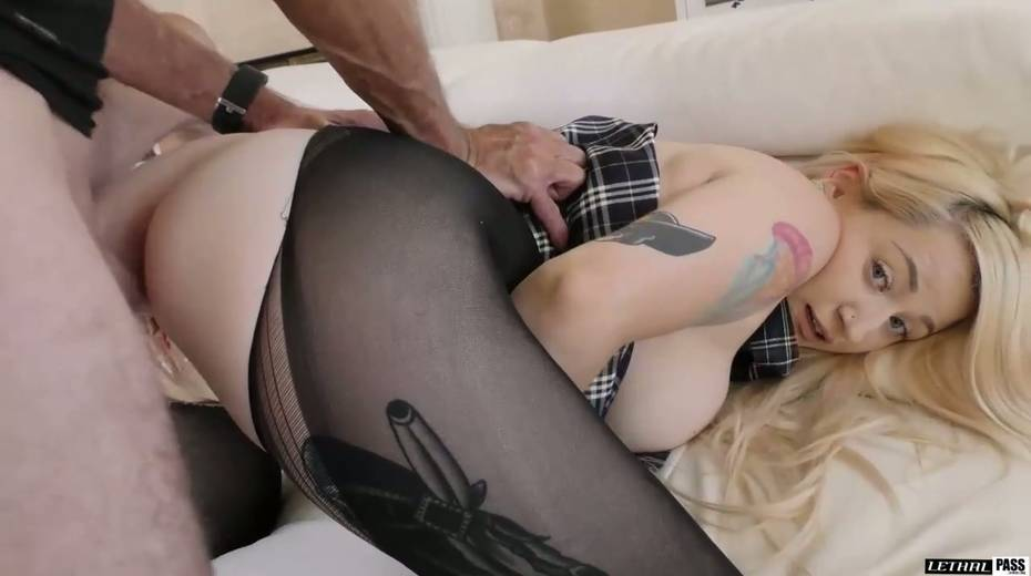 Super juggy blonde Hadley Haze is fucked by hot blooded stud - 11. pic