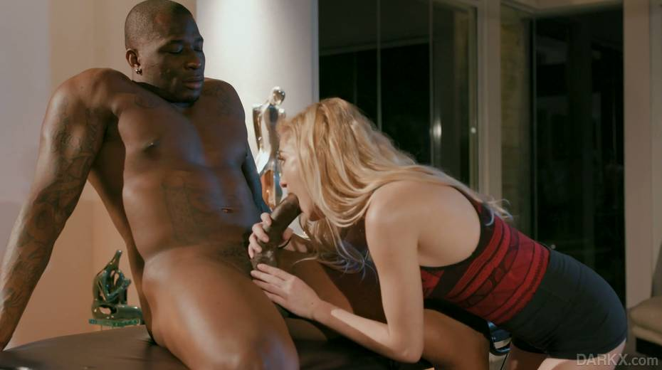 Petite blond masseur Chloe Foster goes black right on the massage table - 6. pic