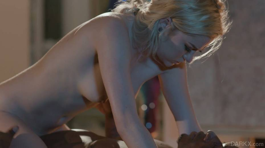 Petite blond masseur Chloe Foster goes black right on the massage table - 18. pic