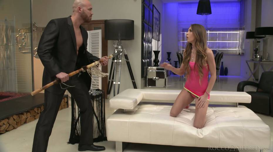 Skinny chick Veronica Clark is craving for hardcore anal pounding - 4. pic