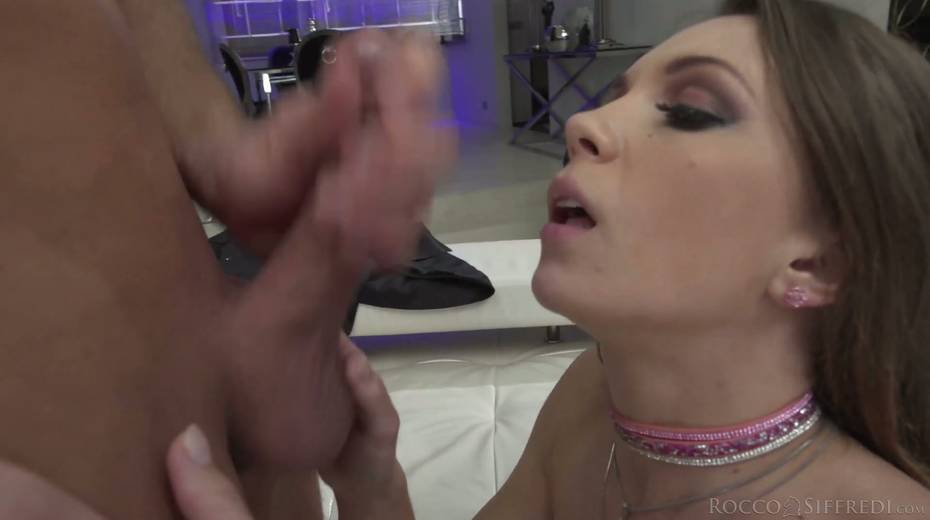 Skinny chick Veronica Clark is craving for hardcore anal pounding - 26. pic