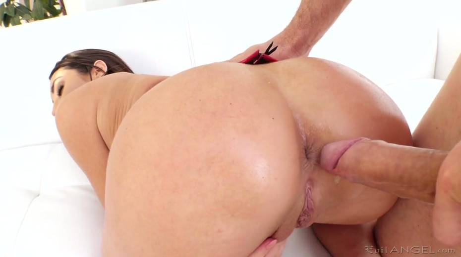 Huge dong drills deep throat and oiled up anal hole of nasty brunette Christiana Cinn - 7. pic