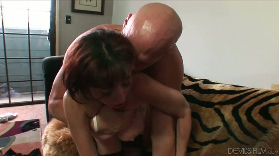 Buxom granny boned brutally in a doggy position - 14. pic