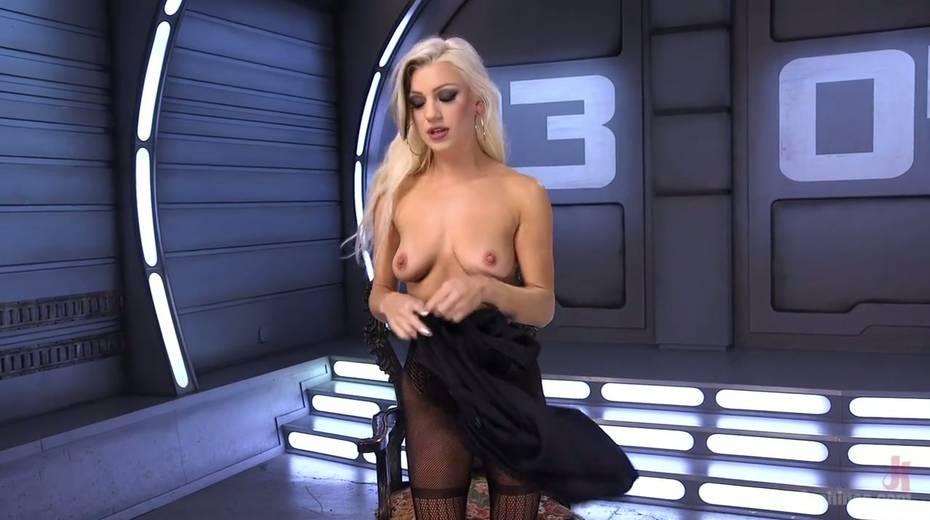 Famous bitch Cameron Dee enjoys testing crazy sex machine - 3. pic