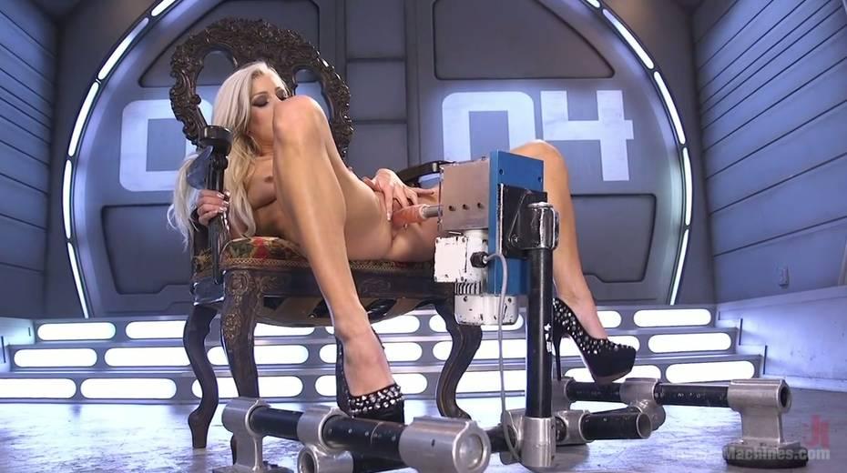 Famous bitch Cameron Dee enjoys testing crazy sex machine - 4. pic