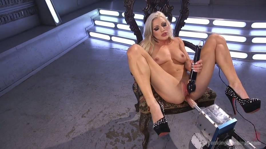 Famous bitch Cameron Dee enjoys testing crazy sex machine - 12. pic