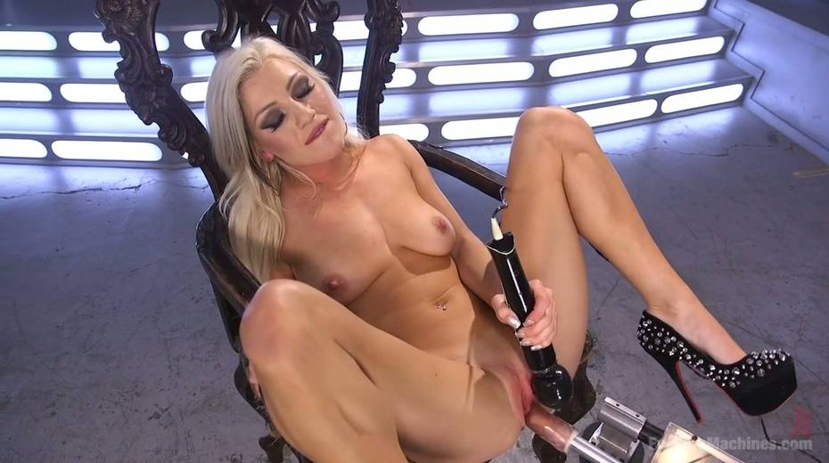Famous bitch Cameron Dee enjoys testing crazy sex machine - 14. pic