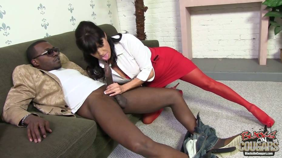 Addicted to black dicks Tara Holiday goes wild on BBC - 3. pic