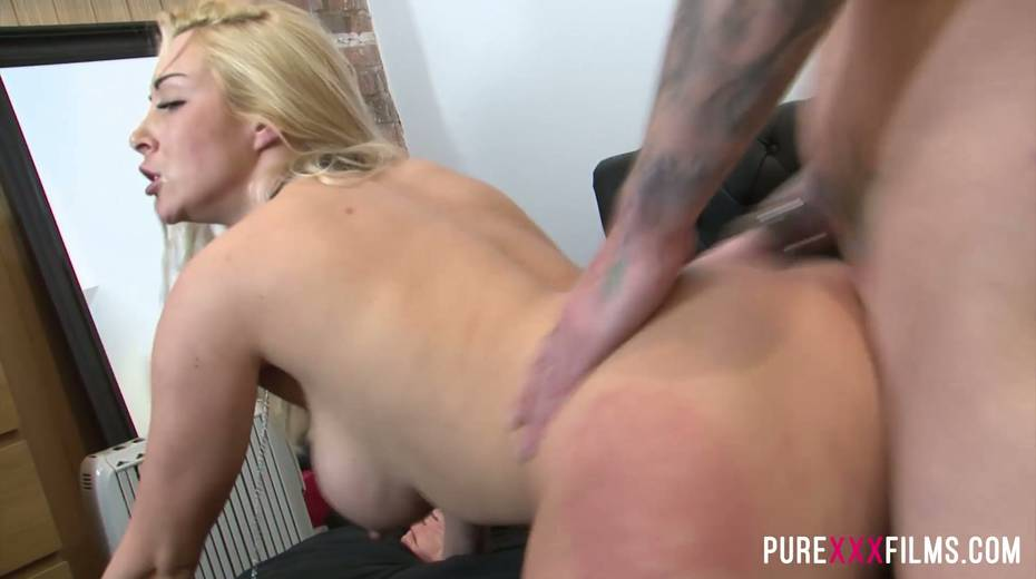 Fucking hot slut with jewel in her butt hole Victoria Summers takes dick in her twat - 7. pic