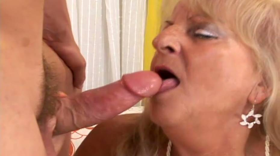 Saggy tittied granny boned bad in a doggy position - 11. pic