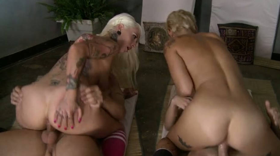 Two blond chicks get fucked synchronously - 1. pic