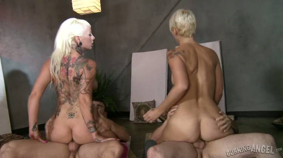 Two blond chicks get fucked synchronously - 8. pic