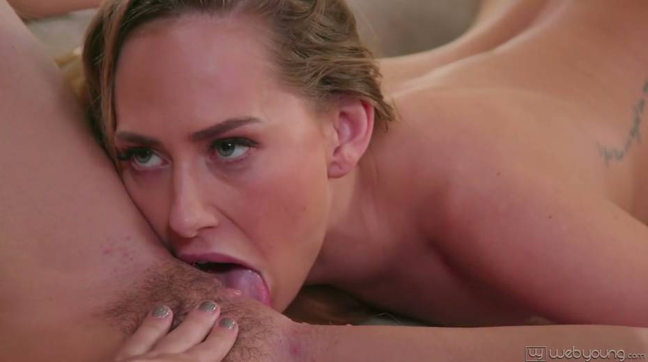 Lecherous hottie Whitney Wright is eating yummy pussy of sexy GF - 12. pic