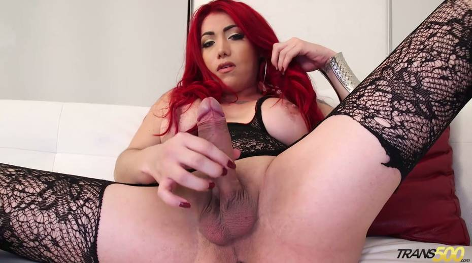 Juggy tranny in stockings Jade Lagunes is jerking off hard dick - 8. pic