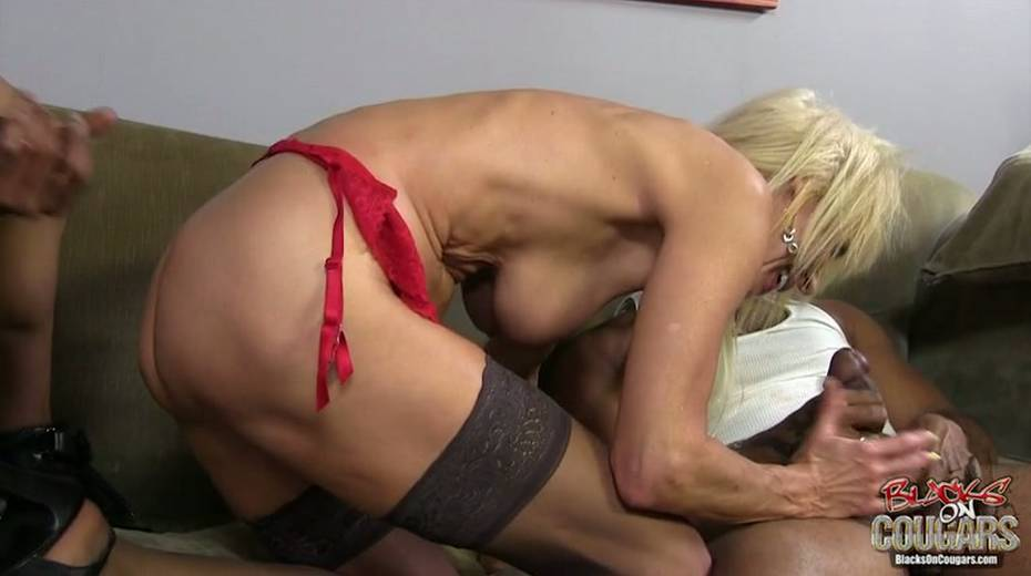 White whore Erica Lauren is taking two big black hoses in threesome scene - 4. pic