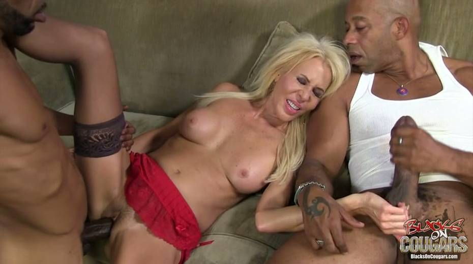 White whore Erica Lauren is taking two big black hoses in threesome scene - 6. pic