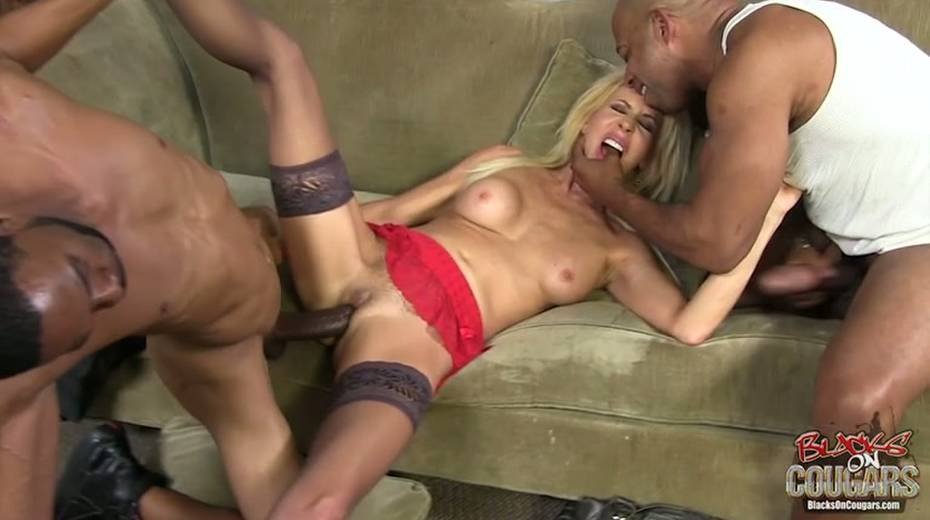 White whore Erica Lauren is taking two big black hoses in threesome scene - 10. pic