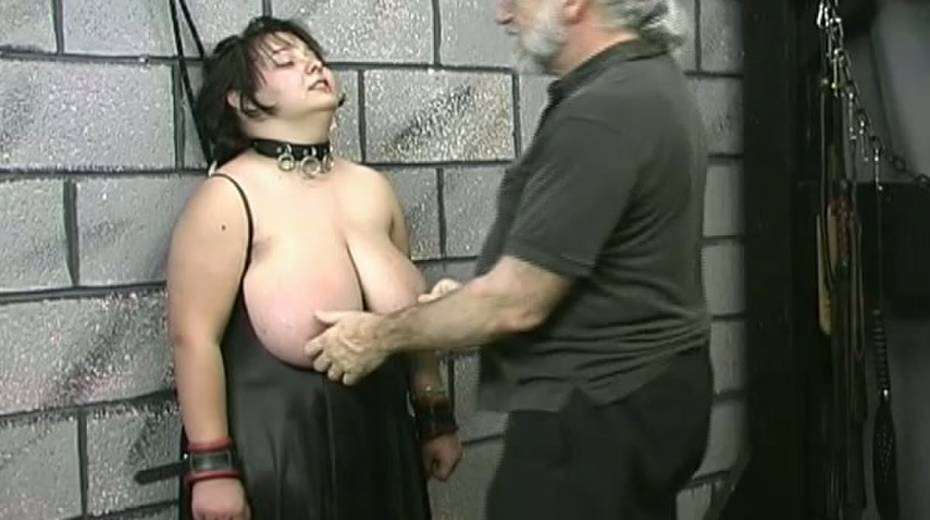 Huge boobed BBW slut getting her balloons tied up in bondage porn video - 4. pic
