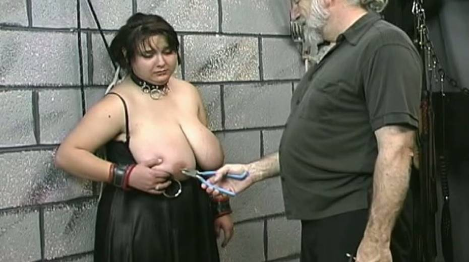 Huge boobed BBW slut getting her balloons tied up in bondage porn video - 6. pic
