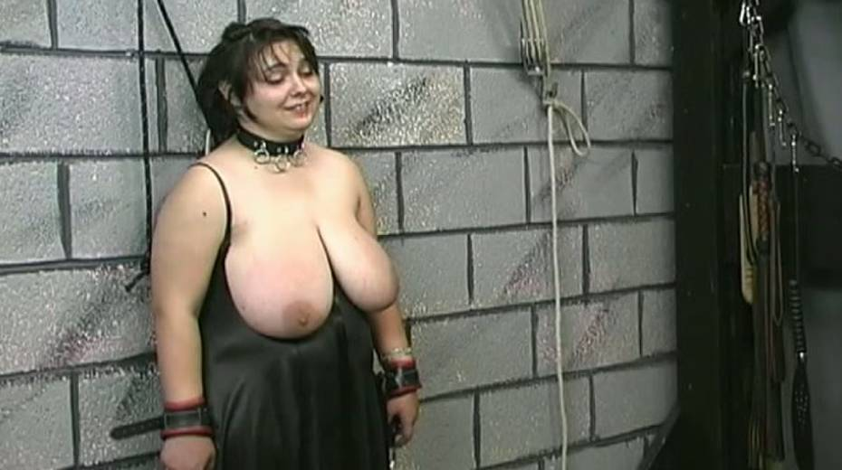 Huge boobed BBW slut getting her balloons tied up in bondage porn video - 7. pic