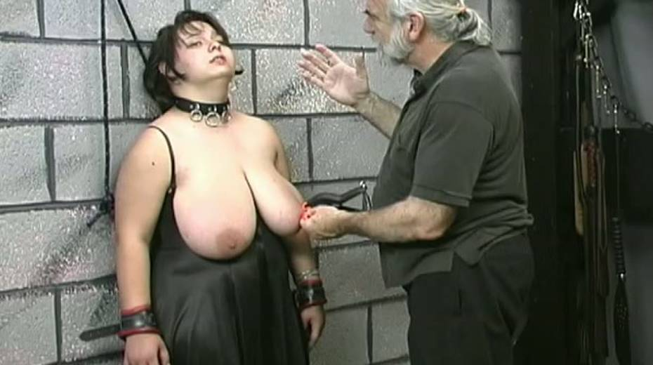 Huge boobed BBW slut getting her balloons tied up in bondage porn video - 8. pic