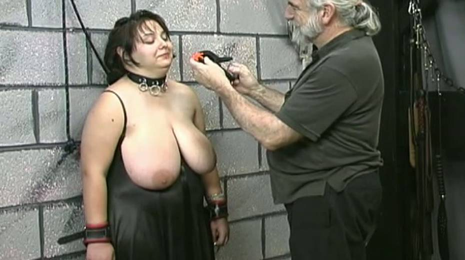 Huge boobed BBW slut getting her balloons tied up in bondage porn video - 9. pic