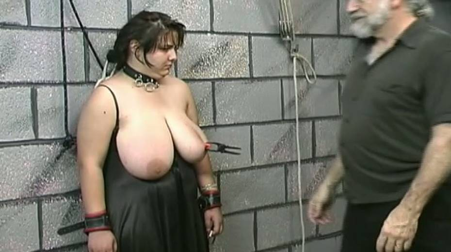 Huge boobed BBW slut getting her balloons tied up in bondage porn video - 10. pic