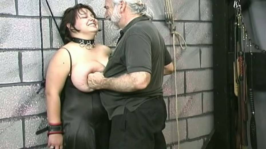 Huge boobed BBW slut getting her balloons tied up in bondage porn video - 11. pic