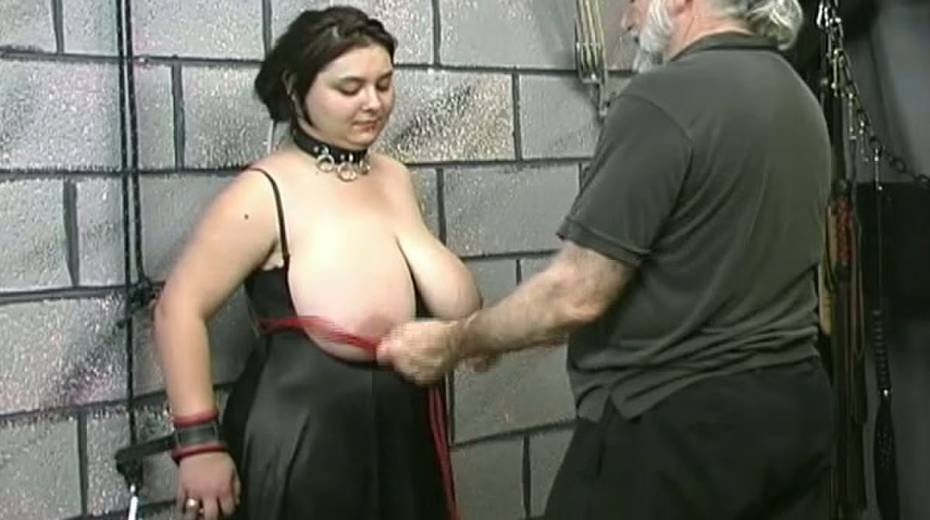 Huge boobed BBW slut getting her balloons tied up in bondage porn video - 13. pic
