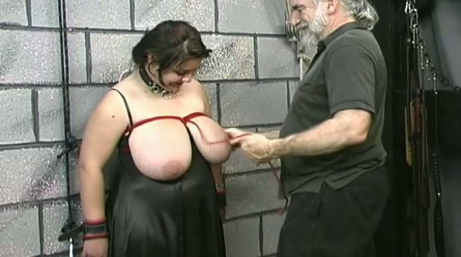 Huge boobed BBW slut getting her balloons tied up in bondage porn video - 14. pic