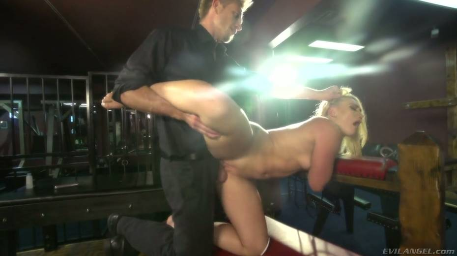 Sultry blond hooker AJ Applegate squirts and gets messy facial - 9. pic