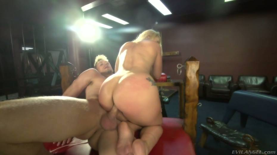 Sultry blond hooker AJ Applegate squirts and gets messy facial - 12. pic
