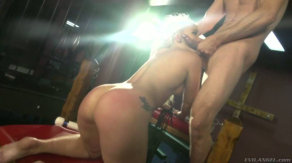 Sultry blond hooker AJ Applegate squirts and gets messy facial - 17. pic
