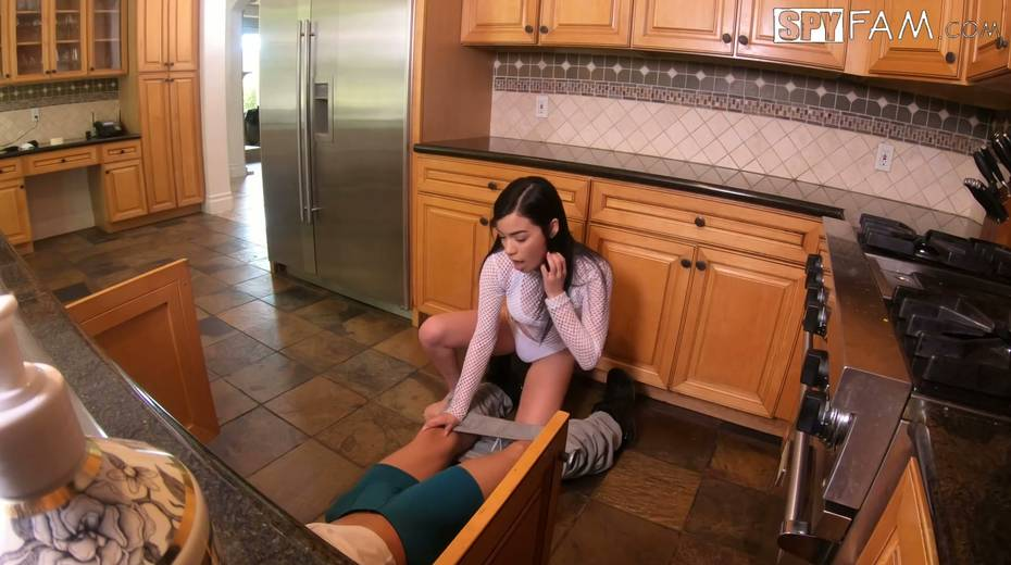 Sizzling teen Savannah Sixx is craving for dirty sex with experienced step daddy - 6. pic