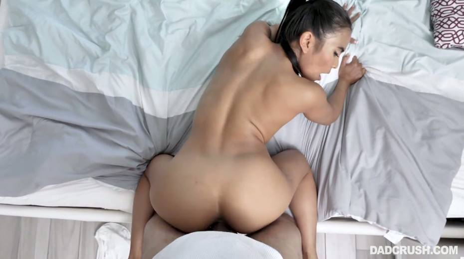 Horny dude can't resist fucking super slutty Asian stepdaughter Jada Kai - 27. pic