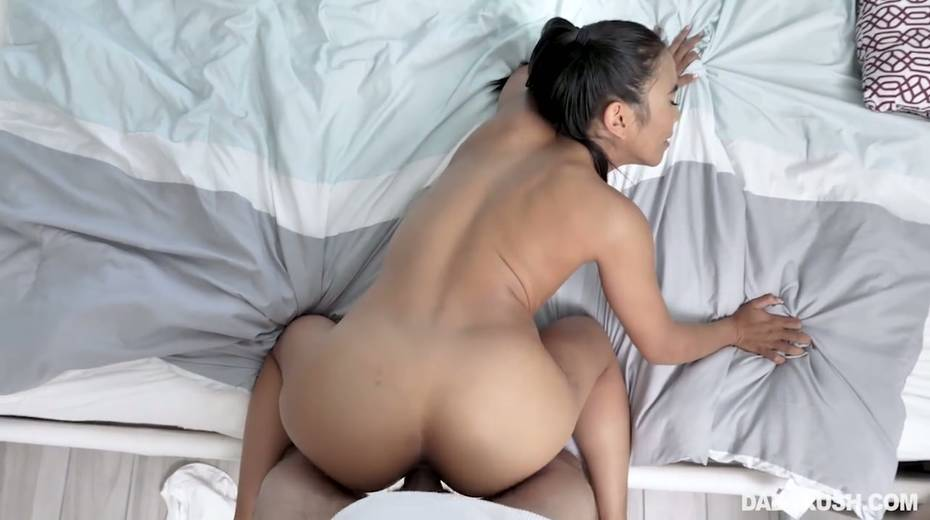 Horny dude can't resist fucking super slutty Asian stepdaughter Jada Kai - 28. pic