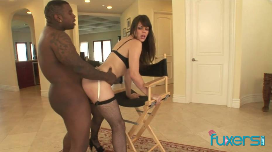 Big bottomed white hooker gets her mouth and pussy blacked - 20. pic