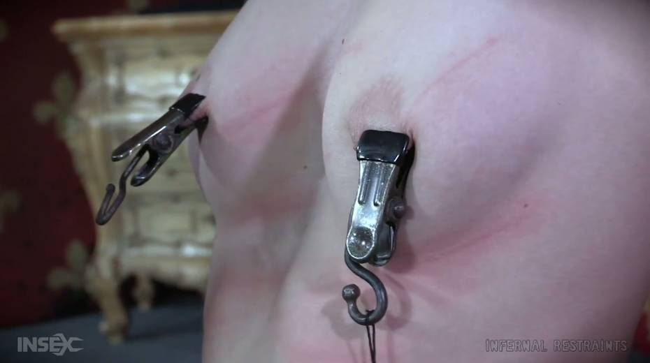 Dude makes use of vice to punish Billy Nyx's hard and perky nipples - 4. pic
