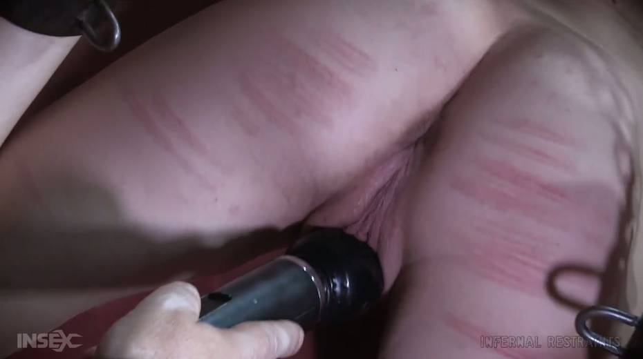 Dude makes use of vice to punish Billy Nyx's hard and perky nipples - 16. pic