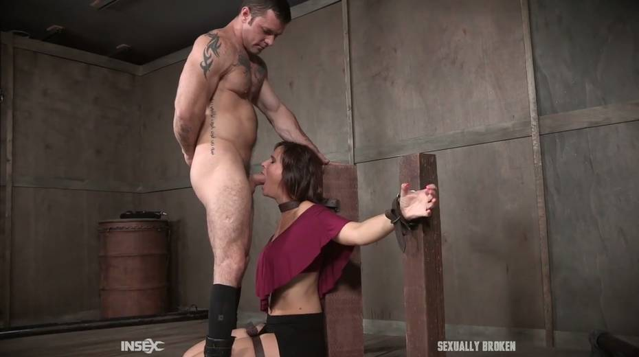 Two kinky dudes fuck nasty busty milf Syren De Mer and punish her holes - 3. pic