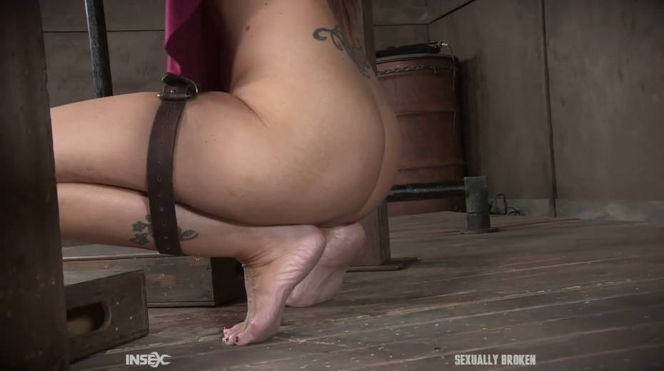Two kinky dudes fuck nasty busty milf Syren De Mer and punish her holes - 4. pic