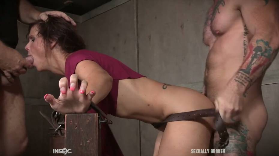 Two kinky dudes fuck nasty busty milf Syren De Mer and punish her holes - 10. pic