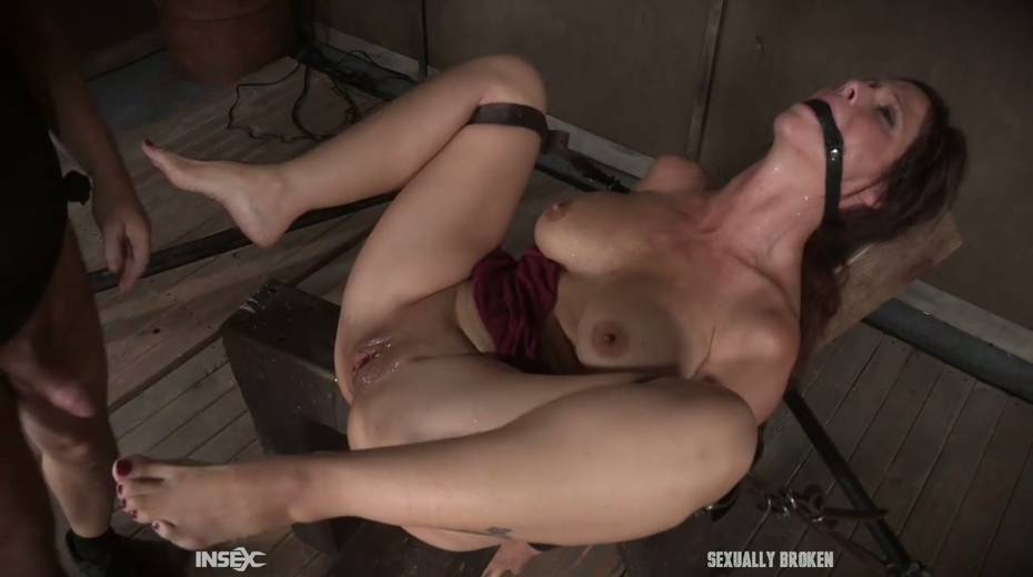 Two kinky dudes fuck nasty busty milf Syren De Mer and punish her holes - 18. pic