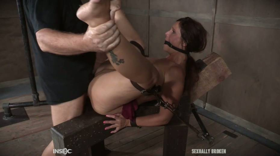 Two kinky dudes fuck nasty busty milf Syren De Mer and punish her holes - 19. pic