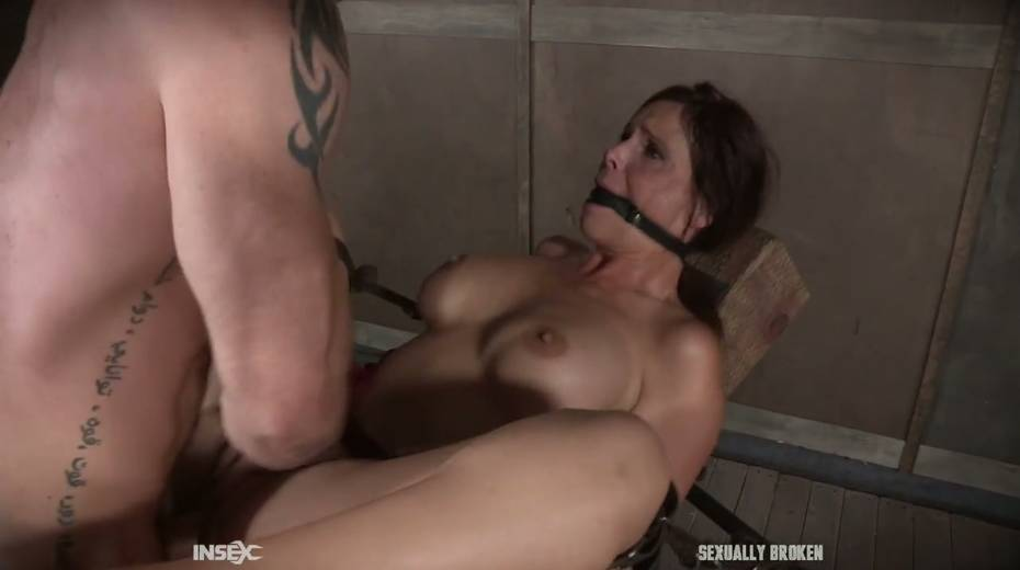 Two kinky dudes fuck nasty busty milf Syren De Mer and punish her holes - 21. pic