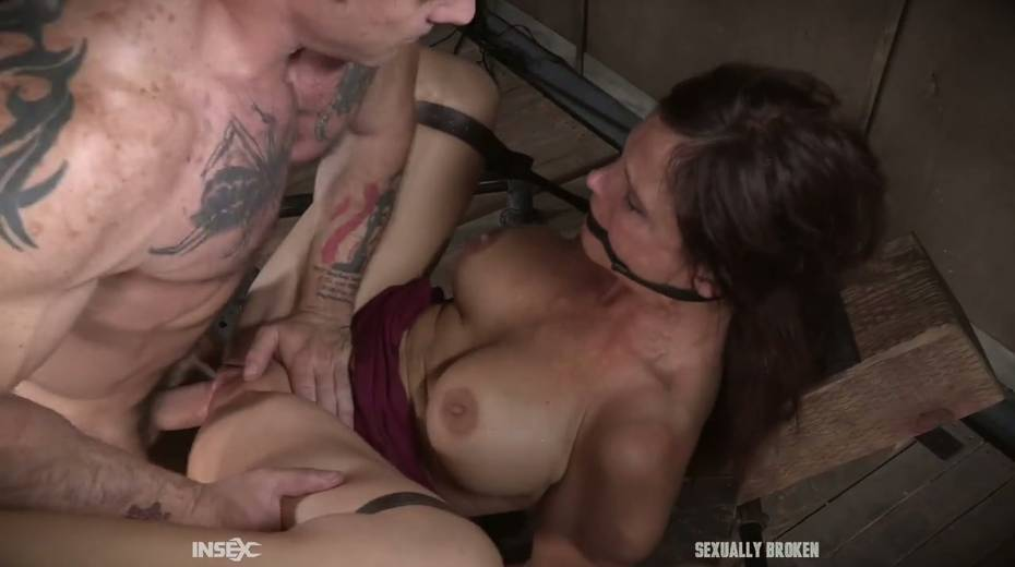 Two kinky dudes fuck nasty busty milf Syren De Mer and punish her holes - 22. pic