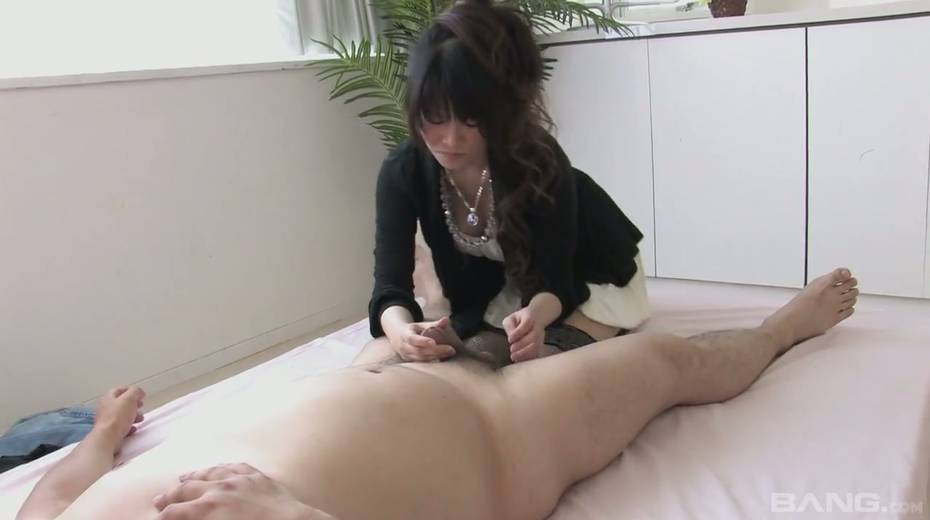 Cum-thirsty Asian chick gives the best ever tugjob and blowjob - 6. pic