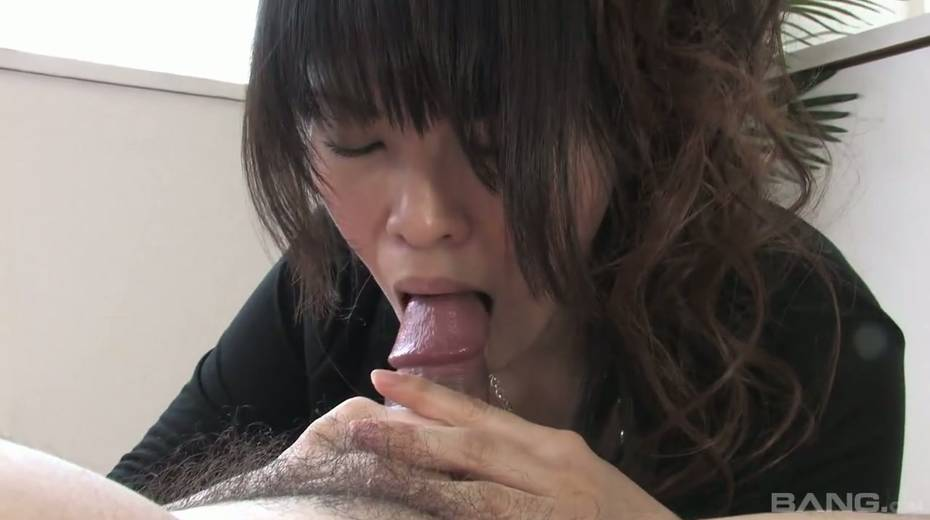 Cum-thirsty Asian chick gives the best ever tugjob and blowjob - 12. pic