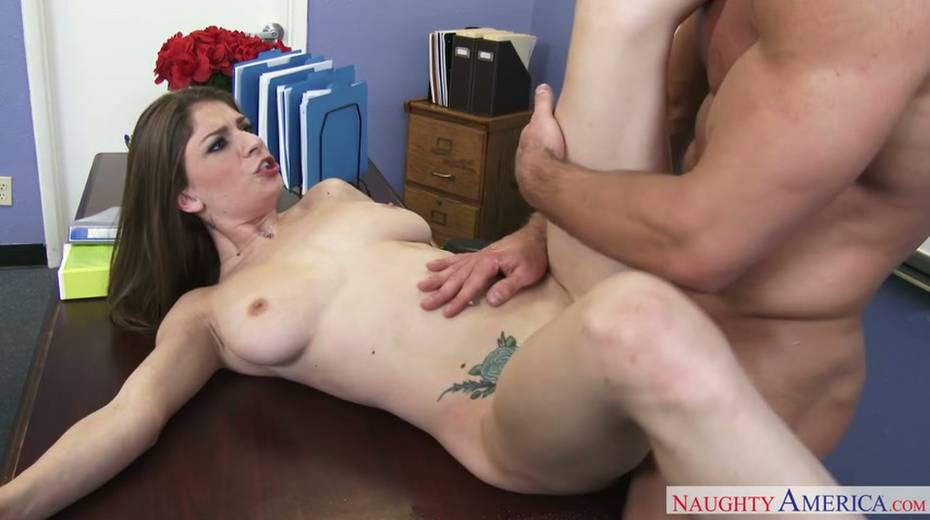 Fresh faced whore with big juggs gets her punani worked over - 2. pic